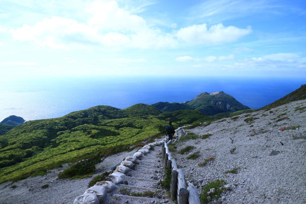 神津島天上山の不入ガ沢からの絶景下りルート