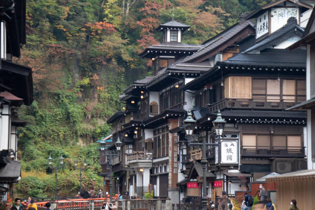 銀山温泉紅葉シーズン