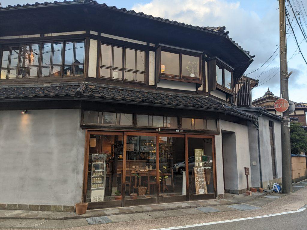 富山県射水市内川地域のおしゃれカフェ「六角堂」の紹介