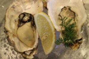 宮島で美味しい牡蠣とクラフトビールを楽しめるお店「宮島ブリュワリー」の生牡蠣
