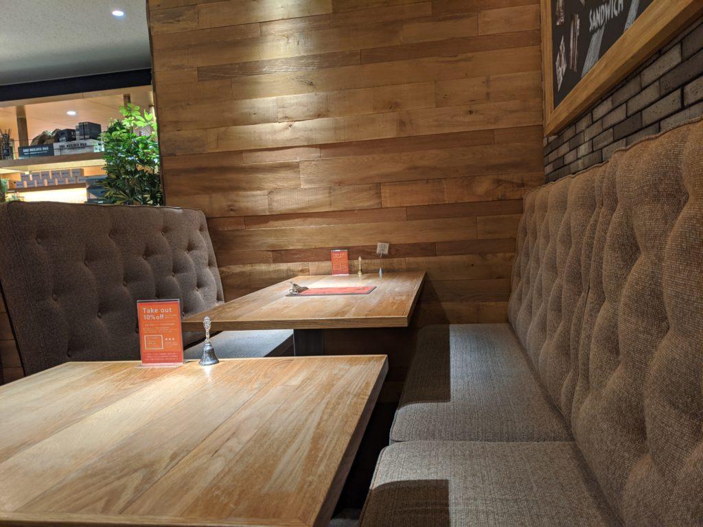 仙台でノマドワーク/ワーケーションにおすすめのカフェ(THE MOST BAKE SHOP)客席