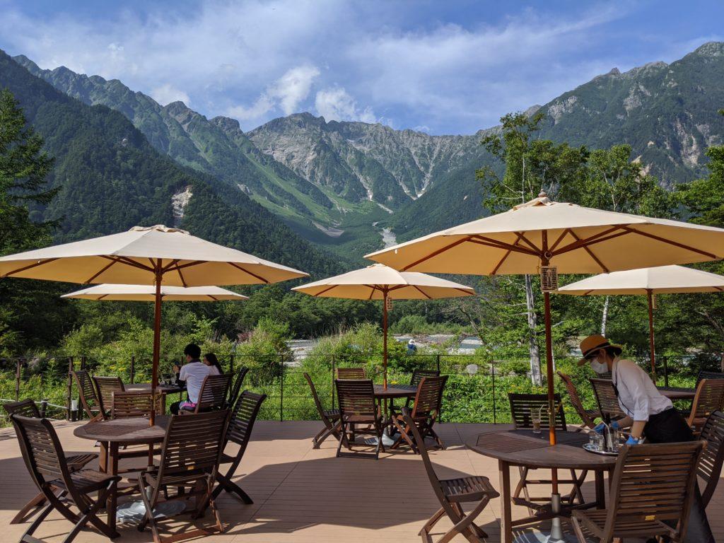 上高地の絶景テラス「ホテル白樺荘」のレストランが超おすすめ
