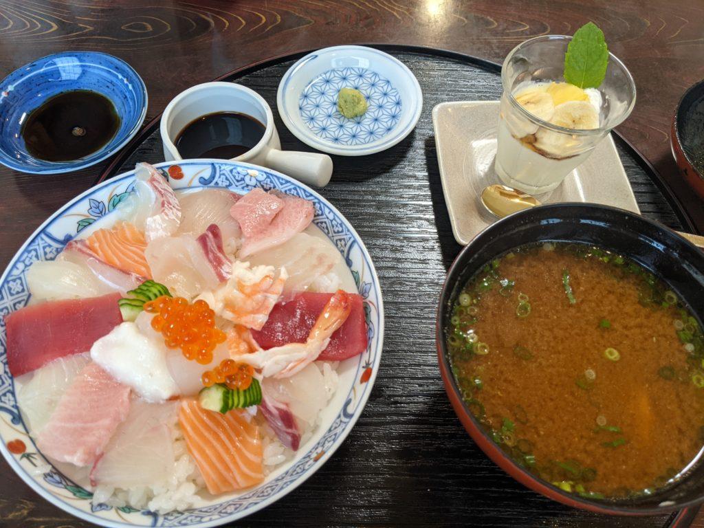 佐賀唐津の海鮮グルメ「寿し幸」のちらし寿司