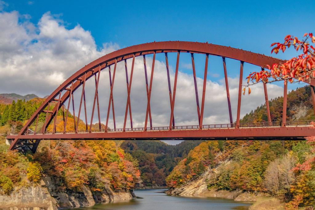 長野県奥裾花渓谷の紅葉