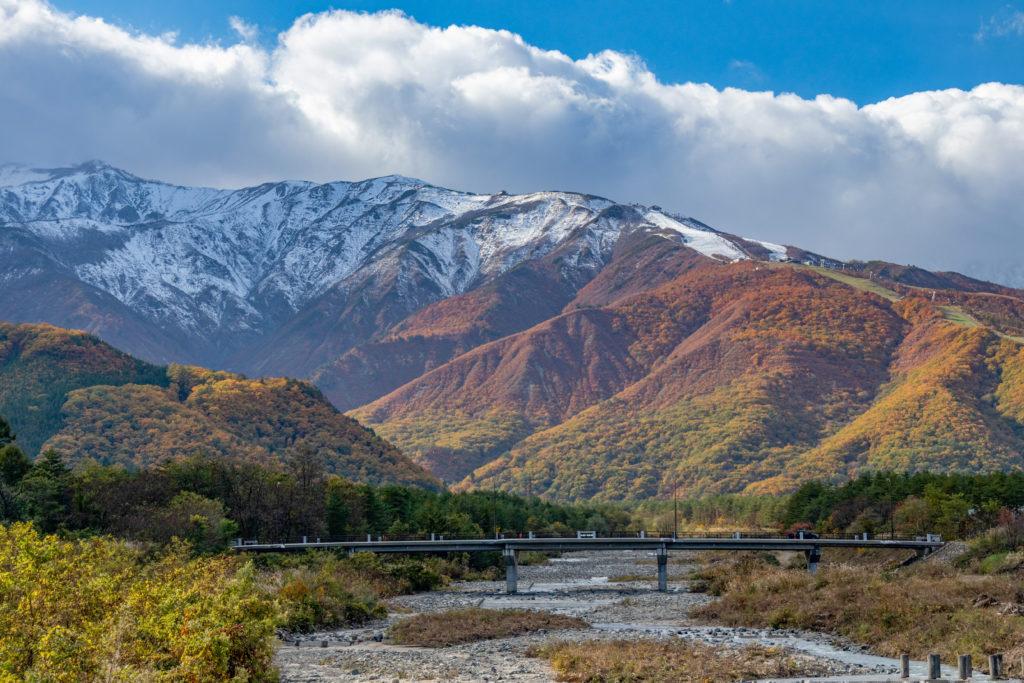 長野県白馬村の三段紅葉